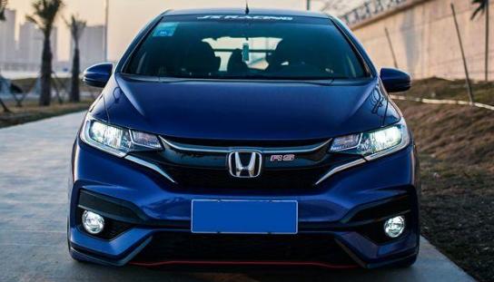 想买一个北京零几年的商务咨询公司车牌价格